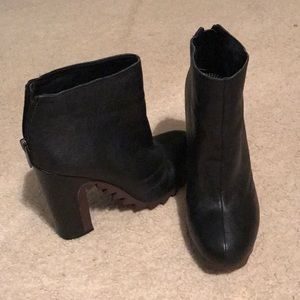 Kensley Black Leather Boots